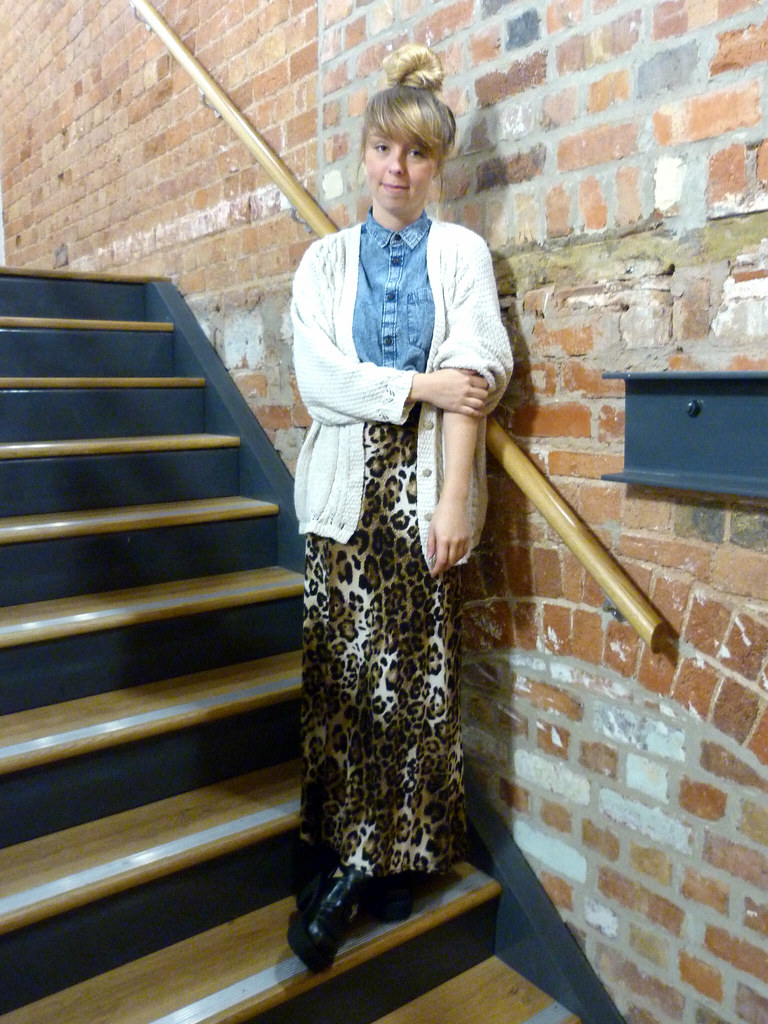 Leopard print maxi outfit post