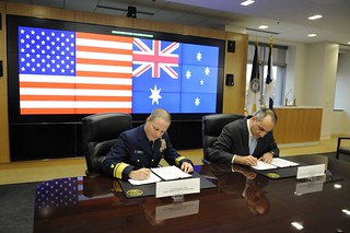 Coast Guard, Australian Customs and Border Protection Service sign memorandum of understanding