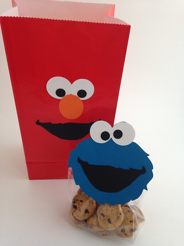 CraftyGoat's Notes: Elmo Goody Bag and Cookie Monster Gift Bag Topper