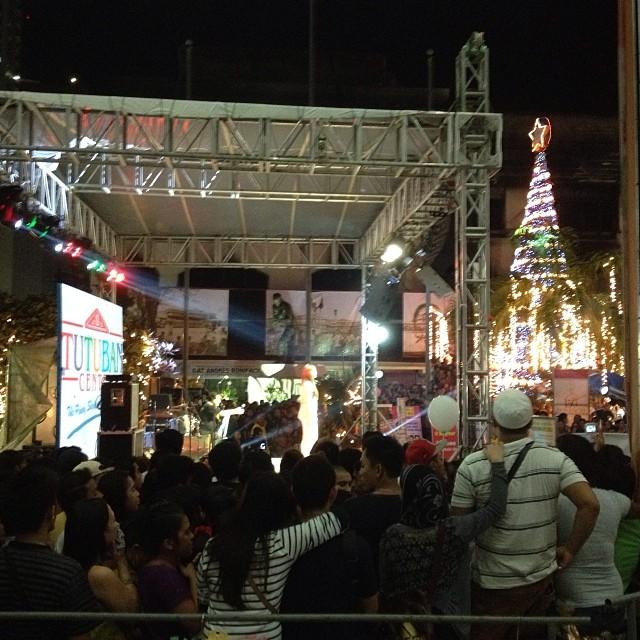 During the Christmas Tree lighting in Tutuban #divisoria #tutuban #bonifacio #event