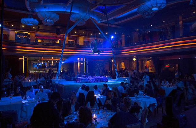 Restaurante bcn club astoria y su circus cabaret for Astoria barcelona