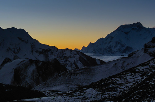 schnee nepal winter mountain snow mountains cold nature silhouette sunrise trekking landscape cool natur pass berge peaks himalaya kalt sonnenaufgang annapurna thorongla annapurnarange canonpowershotg10