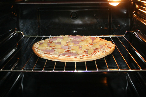 06 - Pizza Hawaii (Wagner Steinofen)  - Im Ofen / In oven