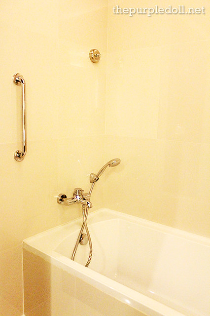 Bellevue Manila Signature Deluxe Bathtub