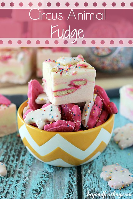 Strawberry Circus Animal Fudge | beyondfrosting.com | #fudge