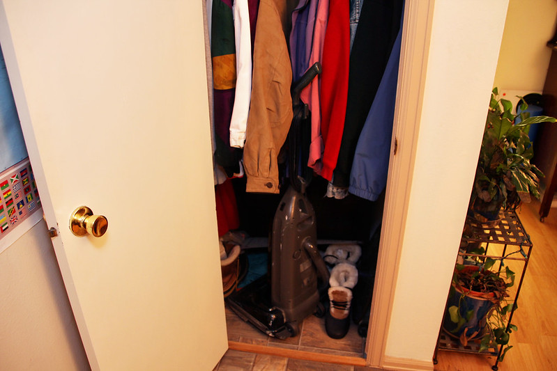 coat closet before-2