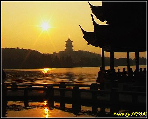 杭州 西湖 (其他景點) - 555 (西湖十景之 柳浪聞鶯 在這裡看 西湖十景的雷峰夕照 (雷峰塔日落景致)