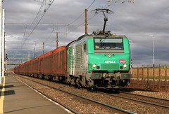 SNCF BB 27044 - Photo of Chalou-Moulineux