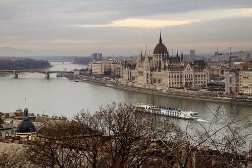 13.4497 - Il Danubio e il Parlamento