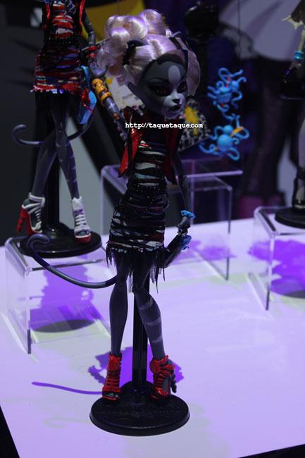 """NY Toy Fair 2014 - Colección """"Zombie Dance"""": las gatas gemelas saldrán a la venta en un pack doble"""