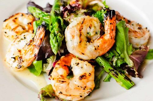 Grilled Shrimp and Asparagus Salad