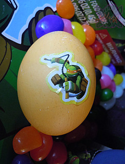 "MasDudley's Easter :: Nickelodeon ""TEENAGE MUTANT NINJA TURTLES"" EASTER EGG DECORATING KIT xi // .. Mike sticker (( 2014 ))"