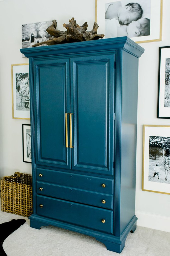 adaymag-8-storage-solutions-for-limited-closet-space-02