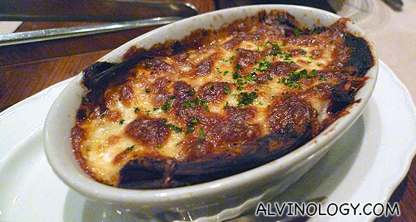 Cheese-baked egg plants