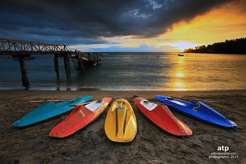 longexposure light sunset sun indonesia boats pier nopeople colourful lombok slowspeed smallboats westnusatenggara nusatenggarabarat senggigibeach pantaisenggigi alitrisnopranoto muaythaikickboxingcamp