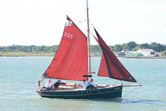 sail, sailboat, sailing, sailboat racing, dinghy, keelboat, vehicle, sailing, ship, galway hooker, thames sailing barge, mast, watercraft, scow, dinghy sailing, boat,