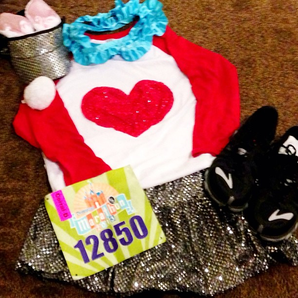 "All ready for @runDisney #disneylandhalf in the wee hours....but just maybe ""I'm late. I'm late. For a very important date. No time to say ""Hello, Goodbye"". I'm late, I'm late, I'm late."" #teamsparkle #whiterabbit #rundisney"