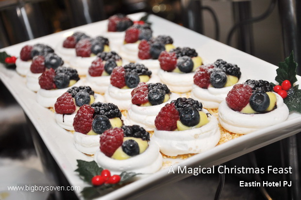 A Magical Christmas Feast Eastin Hotel 16