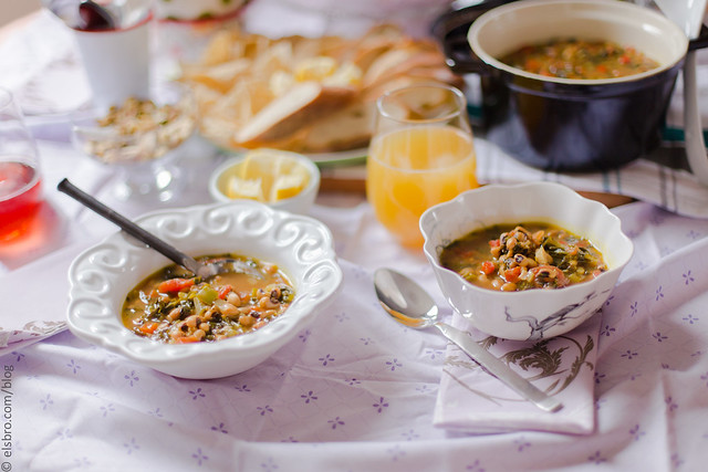 Black-Eyed Peas and Kale Soup