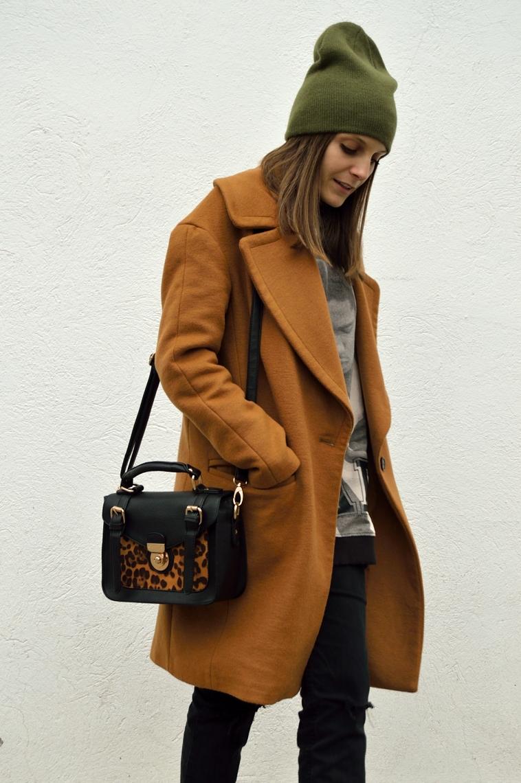 lara-vazquez-madlula-blog-brown-coat-leopard-bag-green-beanie
