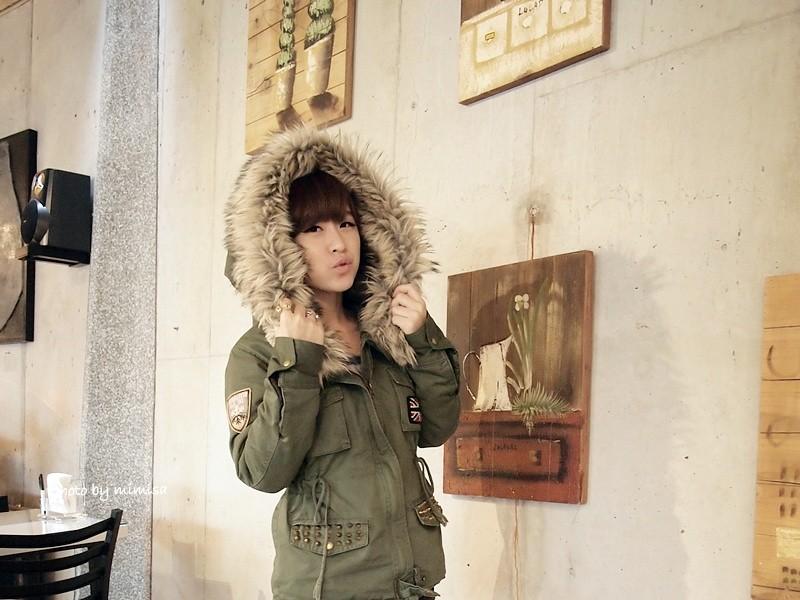 RUBON 軍綠色毛領大衣 (12)