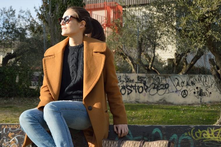 lara-vazquez-madlula-blog-easy-chic-style-brown-coat