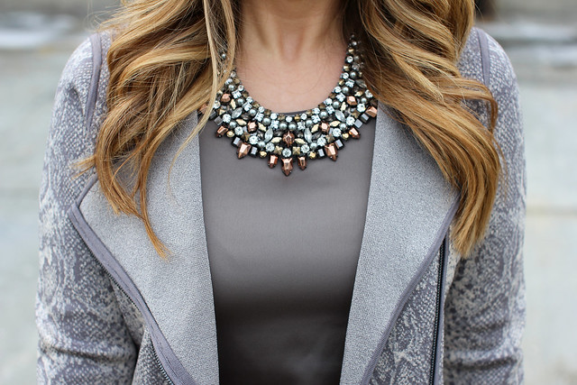 Stella Dot Kahlo Bib Necklace