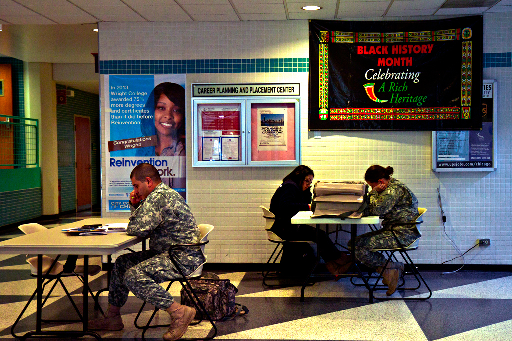 Military-recruiters-at-Wright-College--Chicago