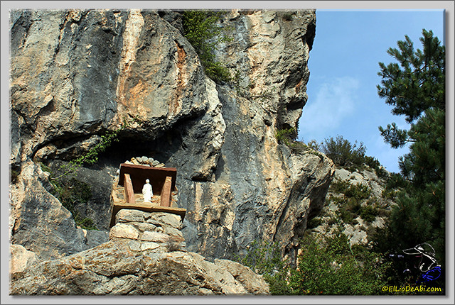 2 Santuario de Montgrony