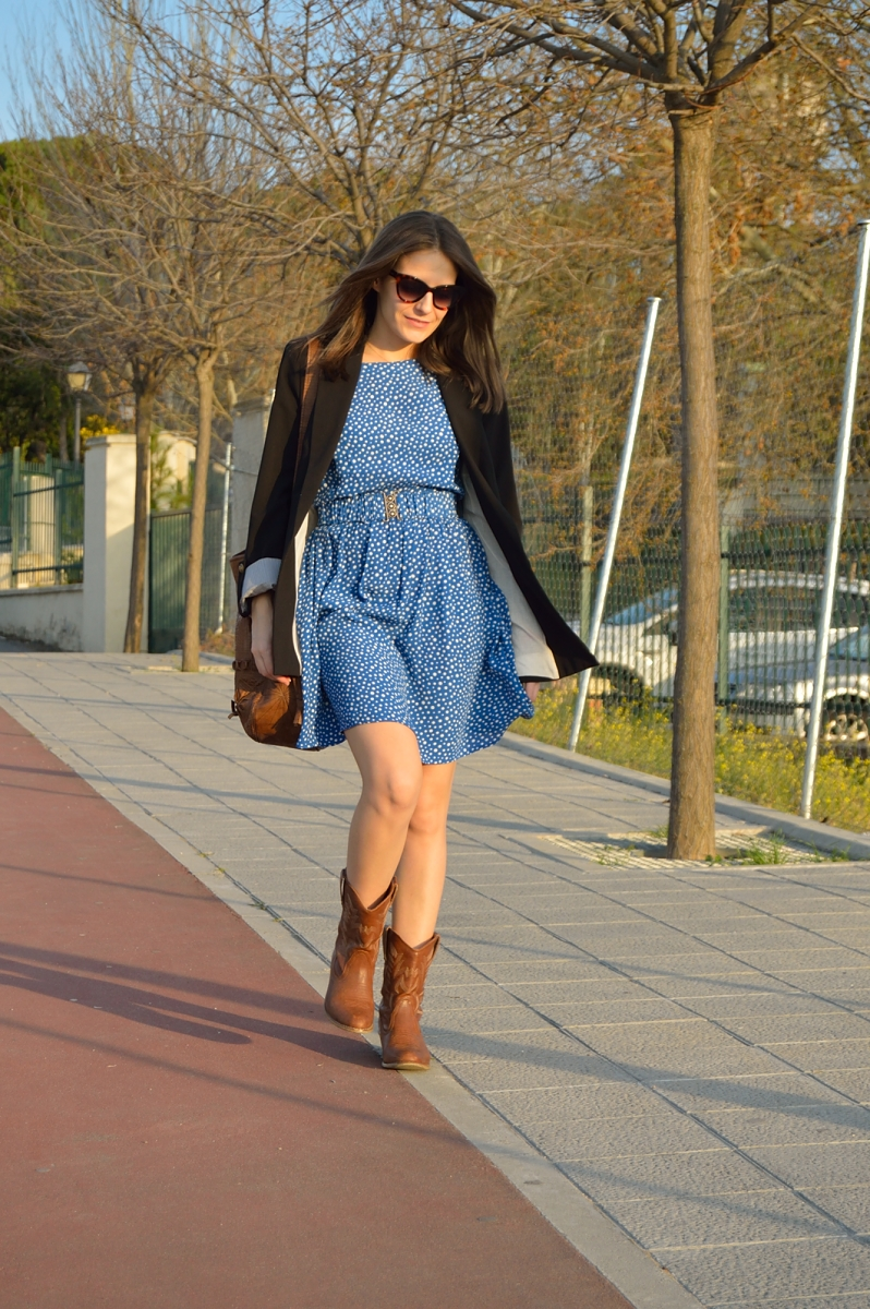 lara-vazquez-madlula-blog-spring-look-blue-dress
