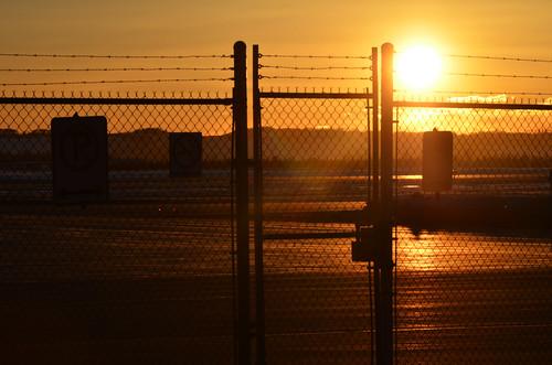 sunset canada fence march grande spring alberta prairie yayoi 2014 三月 3月 カナダ 弥生 sangatsu アルバータ州 さんがつ newlifemonth 平成26年