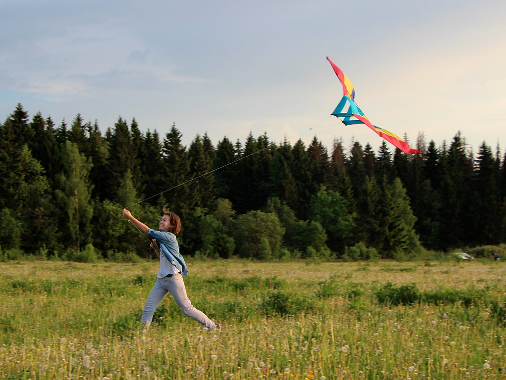 Evening walk with a kite - light as a feather