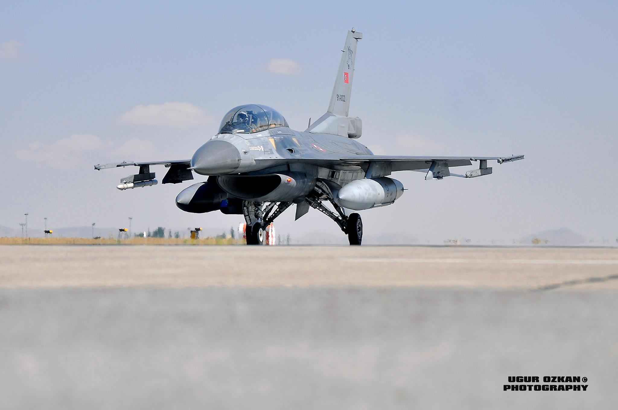 F-16 Fighting Falcon - Page 2 9099199053_b383aadba4_k