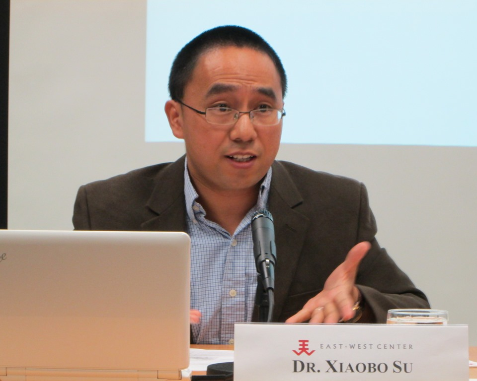 2013 Asian Studies Visiting Fellow Xiaobo Su gives his presentation on China's antidrug policies in Southeast Asia as an alternative form to regional integration at the East-West Center in Washington.