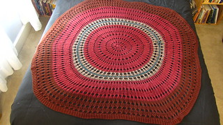 Elizabeth Zimmermann's Shawl with Concentric Circles, Knitting Pattern from the 1970s