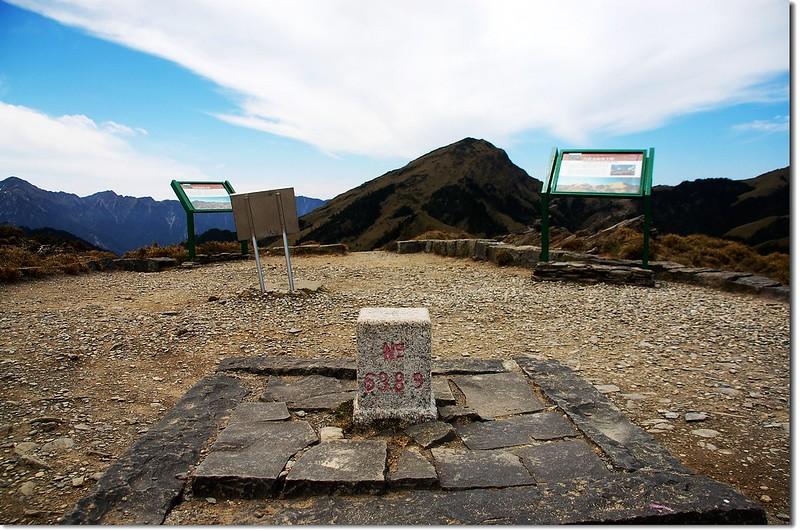 石門山三等三角點(#6389 Elev.3237 m)
