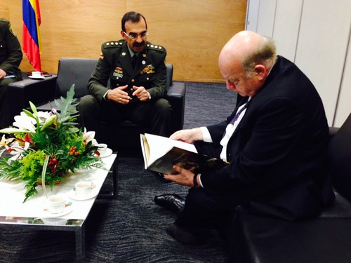Secretary General Insulza Meets with the Director General of the Colombian Police