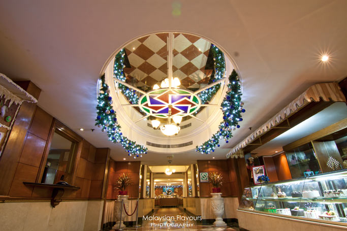 palm-terrace-coffee-house-interior