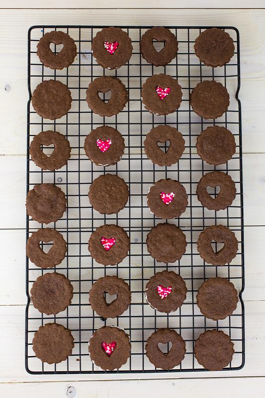 Valentine Linzer Cookies-1.jpg