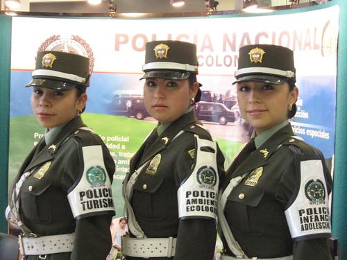 1 MUJERES POLICIA