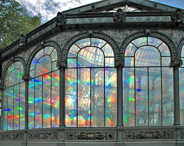 Todo el arco iris en una ventana. Palacio de Cristal. Autor, Sabersabor.es