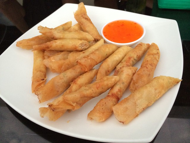 Mini lumpia - White Moon Bar