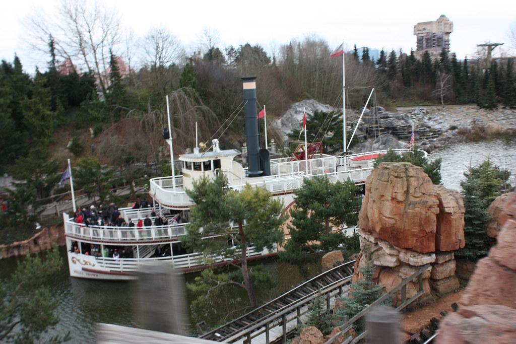 Un séjour pour la Noël à Disneyland et au Royaume d'Arendelle.... - Page 3 13670502753_9d3f152e9a_b