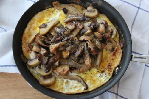 grilled mushroom omelette