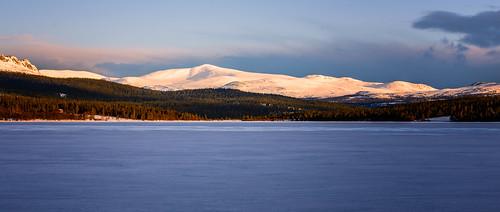 lake mountains norway sunrise landscape frozen nikon forrest sigma epic 105mm d600 oppland gålå
