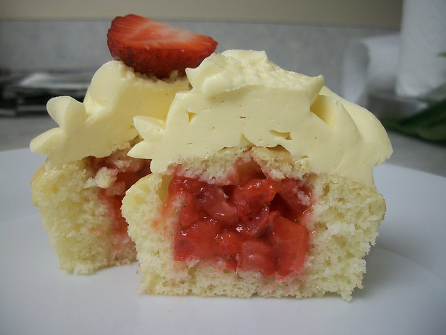 mango strawberry cupcakes 12