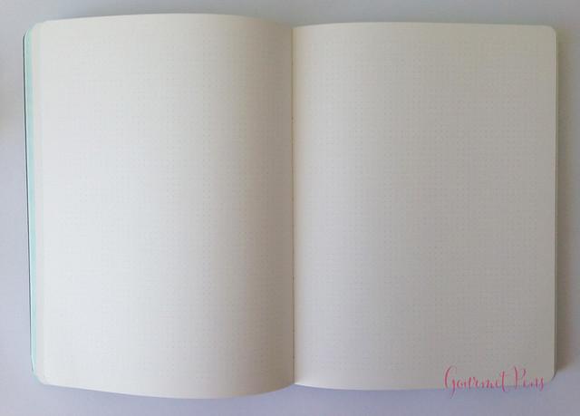 Review Nuuna Glow In The Dark Graphic Notebook @BureauDirect (15)