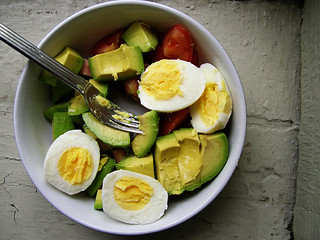 hardboiled eggs with avocado and tomato | by Pseph
