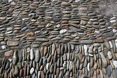 Binnenplaats met keien / Gårdhave med sten