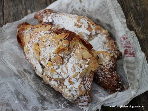 dailyhelen_croissant by dailyhelen